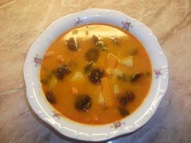 Kolbászos krumpli leves
