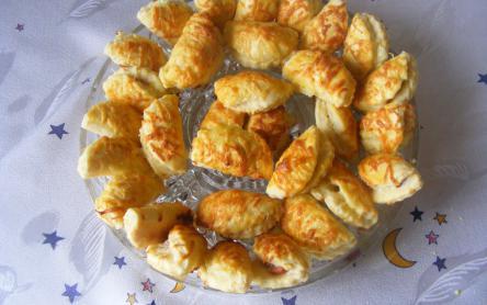Virslis-sajtos falatkák