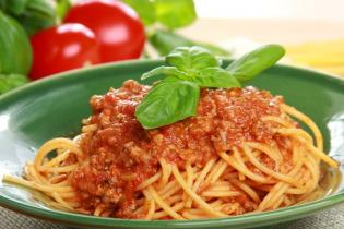 Spagetti bolognese zöldségekkel
