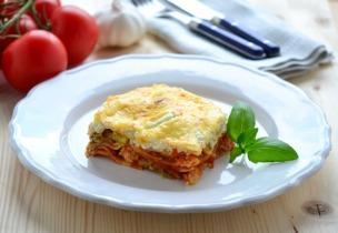 Lasagne csirkével, paradicsommal és spárgával