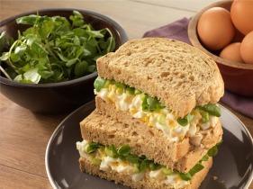 Tojásos, tormás szendvics