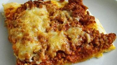 Bolognai mártás házi pizzatésztával