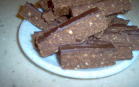Nosztalgia rumos-csokis szelet