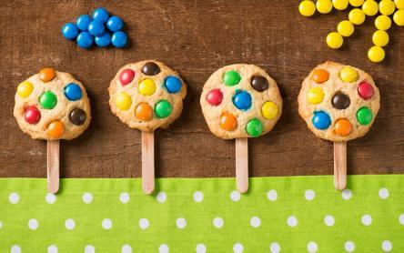 Vidám színes kekszfácskák