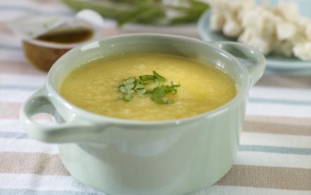 Curry-s karfiol krémleves