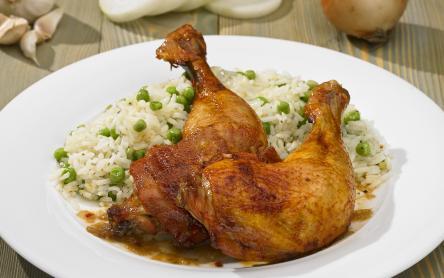 Sült csirkecomb rizi-bizivel