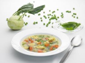Karalábés zöldborsó leves