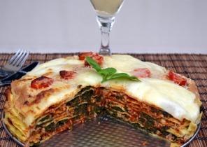 Palacsinta torta spenóttal és bolognai raguval