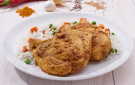 Joghurtos curry-s pácolt csirkemell
