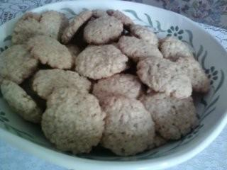 Fahéjas-mazsolás bögrés keksz