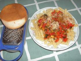 Zöldséges, zöldfűszeres tészta