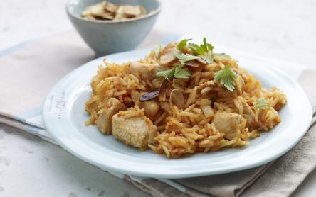 Paradicsomos rizs csirkével és mandulával
