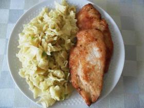 Sült csirkemell tojásos tésztával