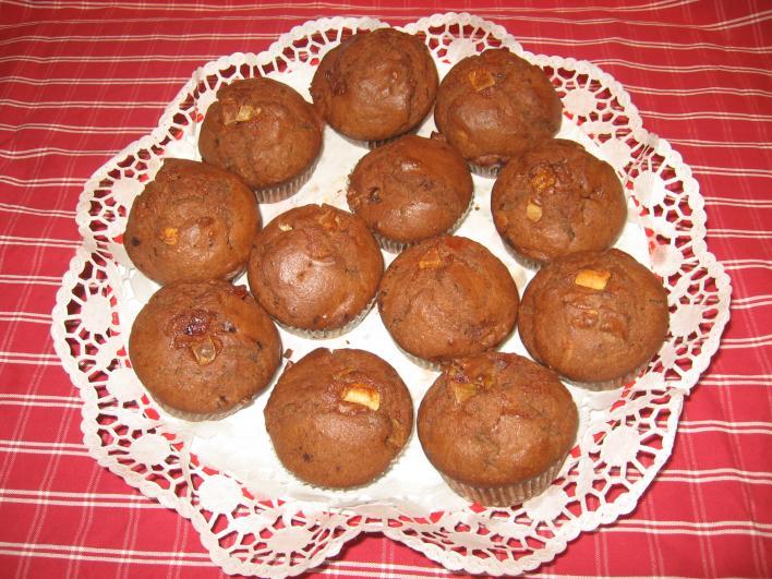 Kakaós muffin kandírozott gyümölccsel