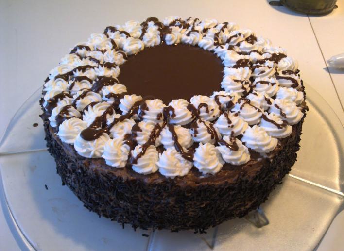 Mogyorókrémes csokitorta