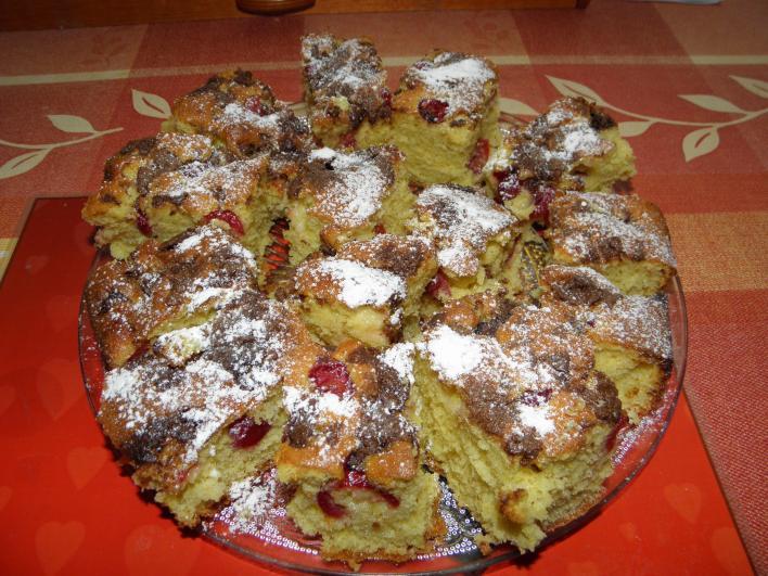 Csokis-cseresznyés piskóta
