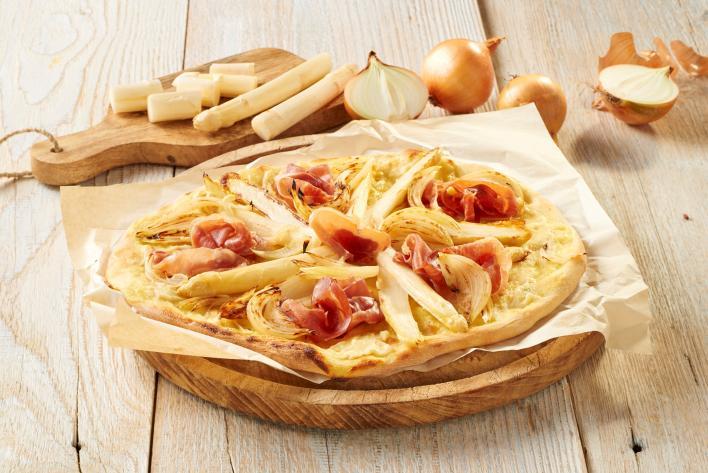 Fehér pizza hollandi mártással