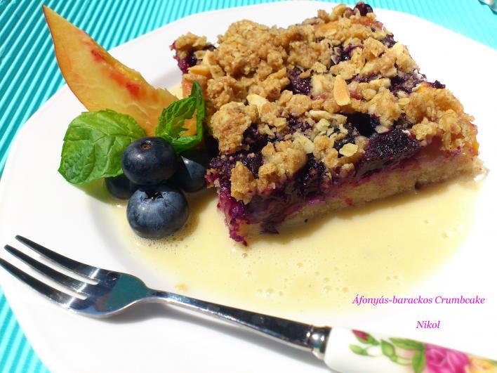 Áfonyás-barackos morzsasüti (Crumb Cake)