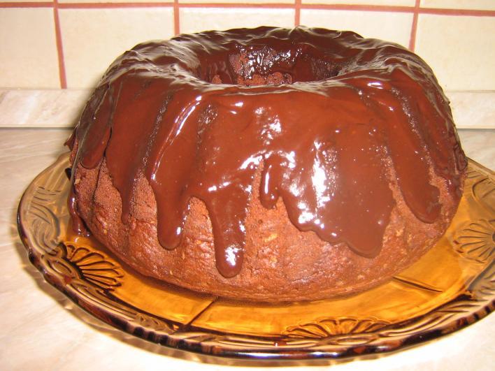 Vörösboros-csokoládés kuglóf