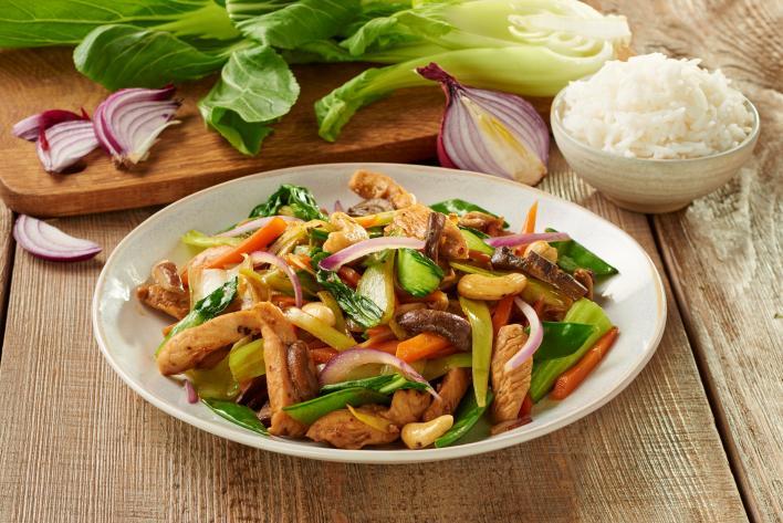 Ázsiai pirított csirke zöldségekkel
