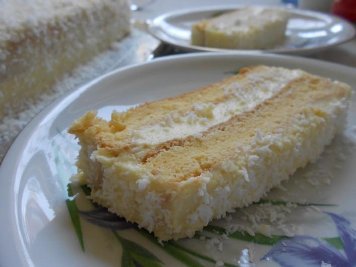 Vaníliás-kókuszos hólabdatorta