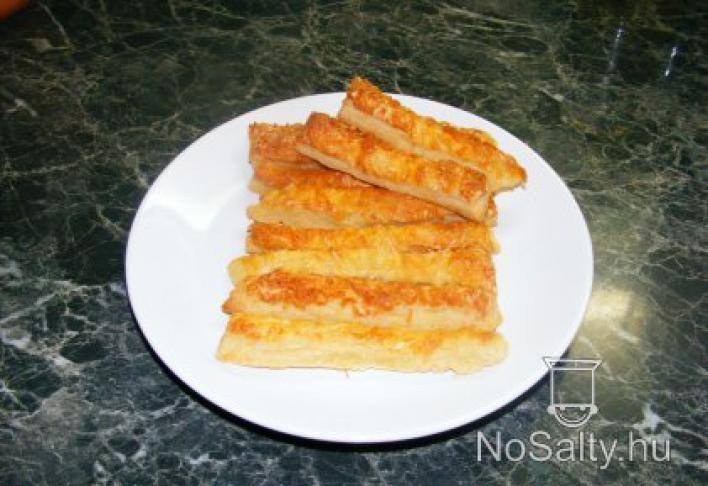 Kedvenc egyszerű sajtos rudam