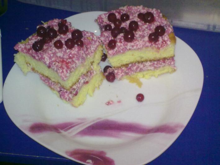 Ribizlis, krémes sütemény