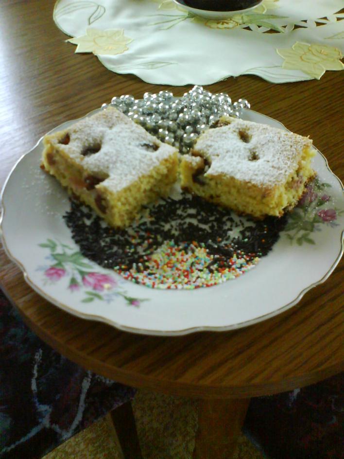 Diós, bögrés sütemény