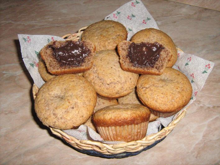 Étcsokival töltött diós muffin