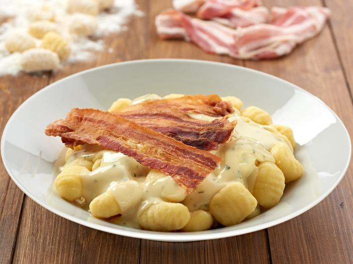 Gnocchi sajtszósszal, baconchips-el