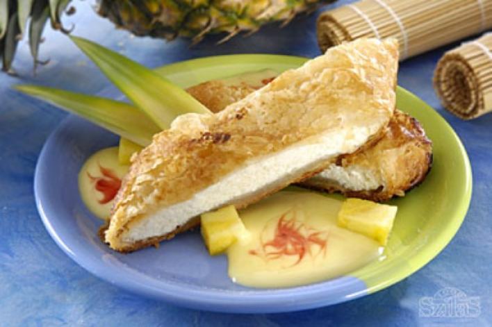 Ananászos túrós rétes vaniliakrémmel