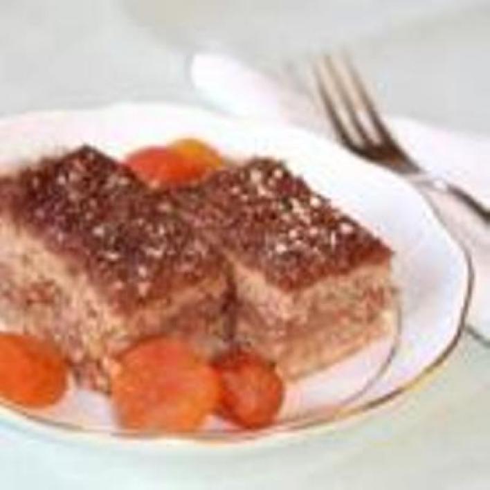 Diós-fahéjas-csokis szelet