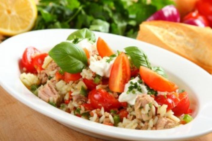 Tonhalas rizssaláta