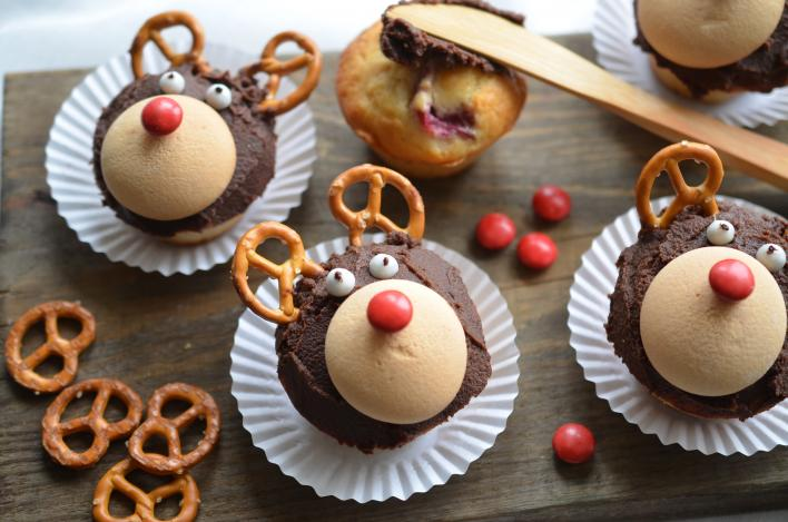 Mandulás-meggyes rénszarvas muffin