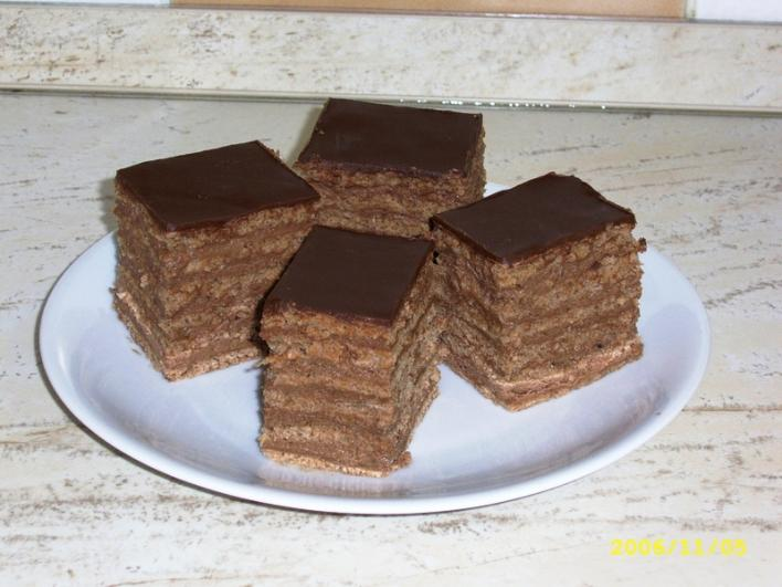 Rumos-csokis szelet (6 lapos)