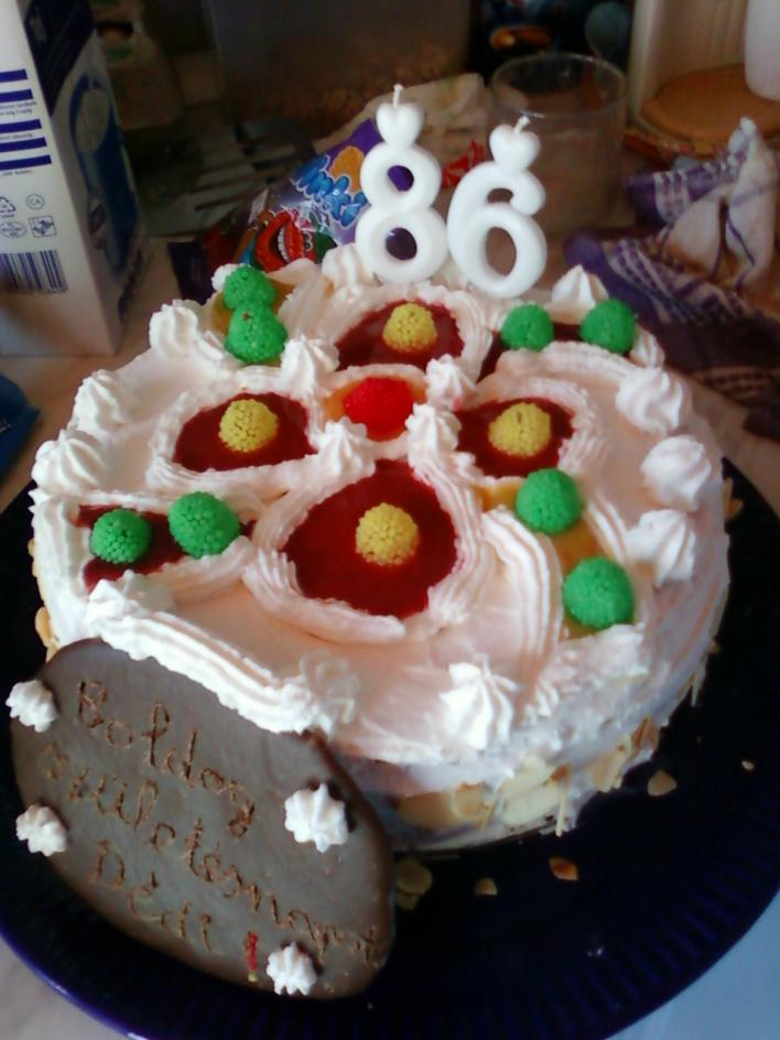 Epres-barackos torta