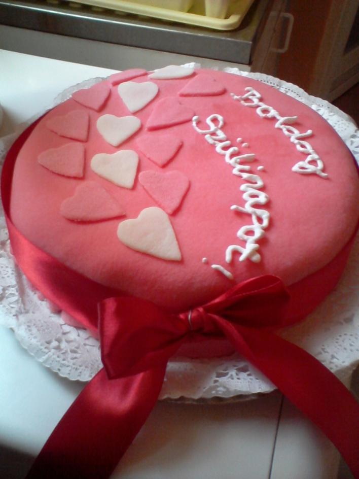 Oroszkrém torta fondant bevonattal
