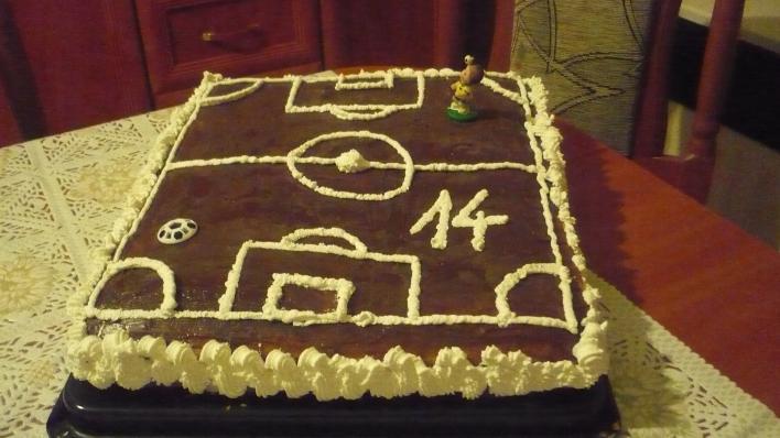 Focipálya torta csokisan