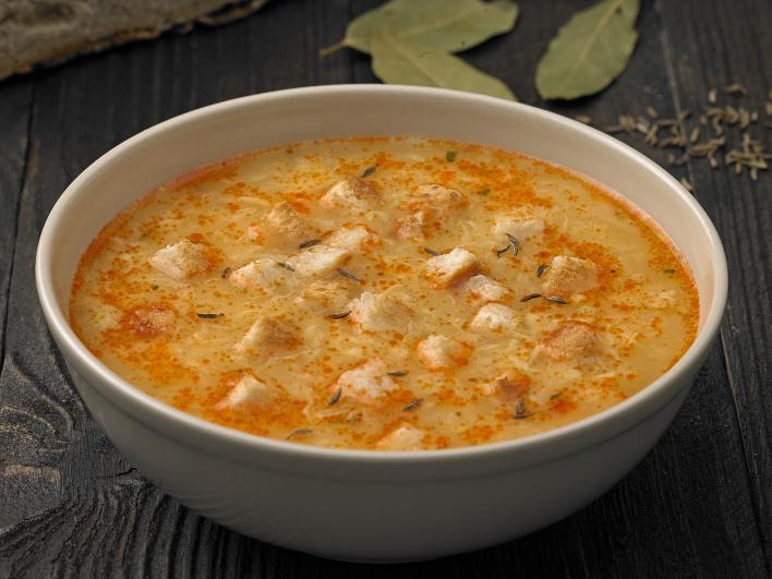 Rántott leves pirított kenyérkockával, tojásleves