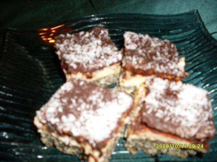 Kekszes mákos sütemény